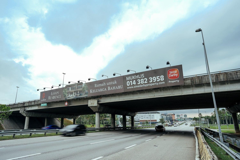PROLINTAS-Overhead-Billboard